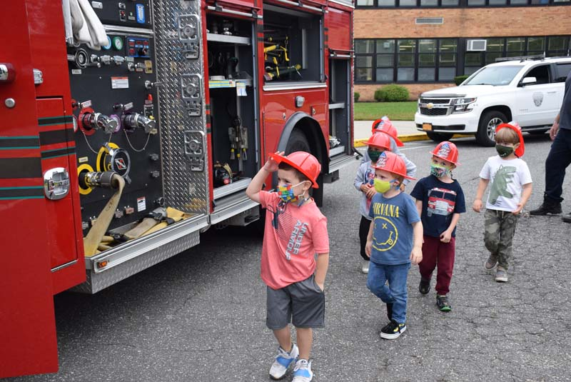 Kramer Lane Students Take Lesson on Fire Safety